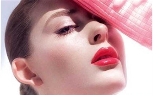 自体脂肪丰唇能保持多长时间