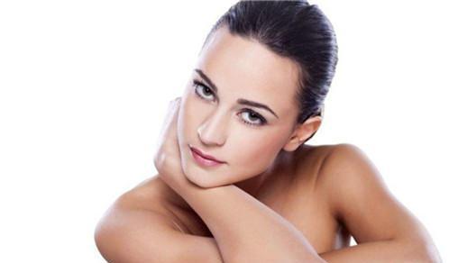果酸嫩肤主要有何治疗成果