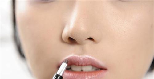唇部激光脱毛术后怎么护理