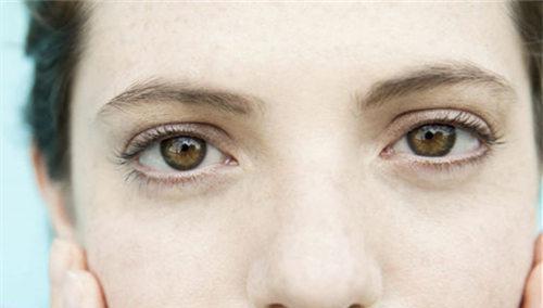 爱思特假体隆鼻有几种不良后果