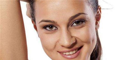 快速消除颈部皱纹的好法子需要怎么选?